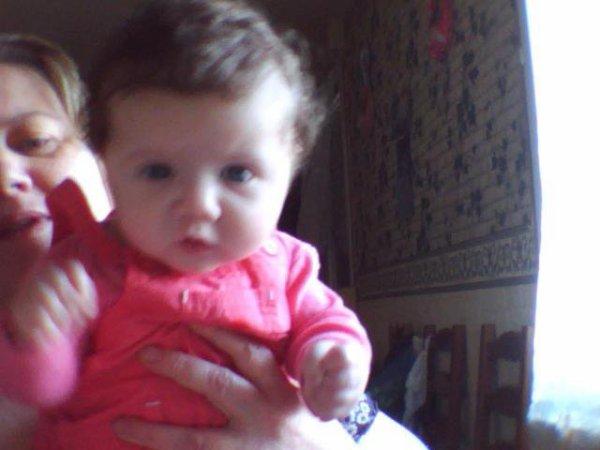 ma petite puce lalya qui a eu 4moi le 2février