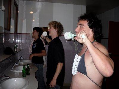 30. Tu te brosseras les dents avec ce que tu trouveras!