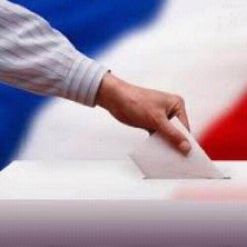 À tous ceux qui ont l'âge de voter, faites le, même si le vote est blanc ! C'est important. Et pour les autres, obligez vos proches à voter !