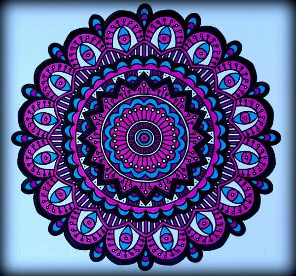 Art thérapie : carnet de mandalas.  Coloriage Ticia