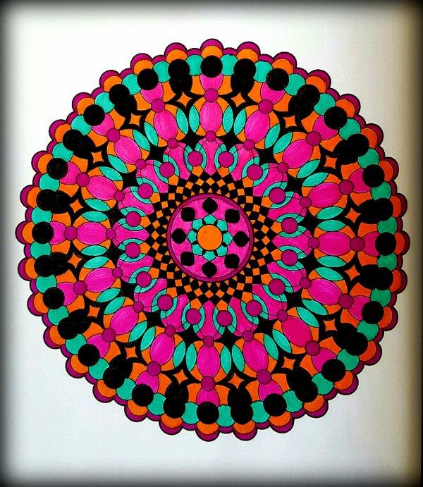 Carnet de Mandalas. Coloriage Ticia