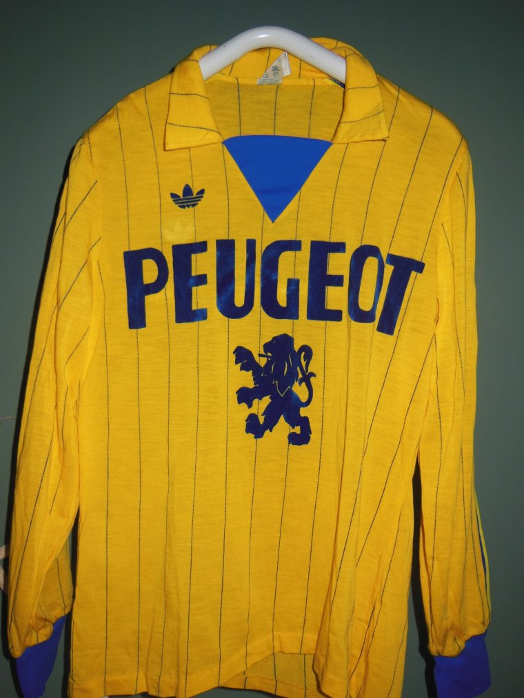 1979/80  N°10 B.GENGHINI  ( maillot fin de saison)