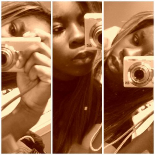 P i C T U R E S . I N __ ` TM  •  ` Les souvenirs sont sujets à l'oublie mais aussi a l'art de la photographie __