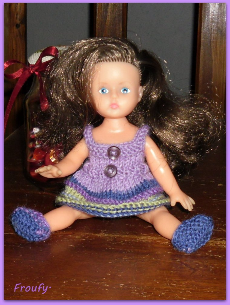 Me revoilou avec une mini poupée !!!