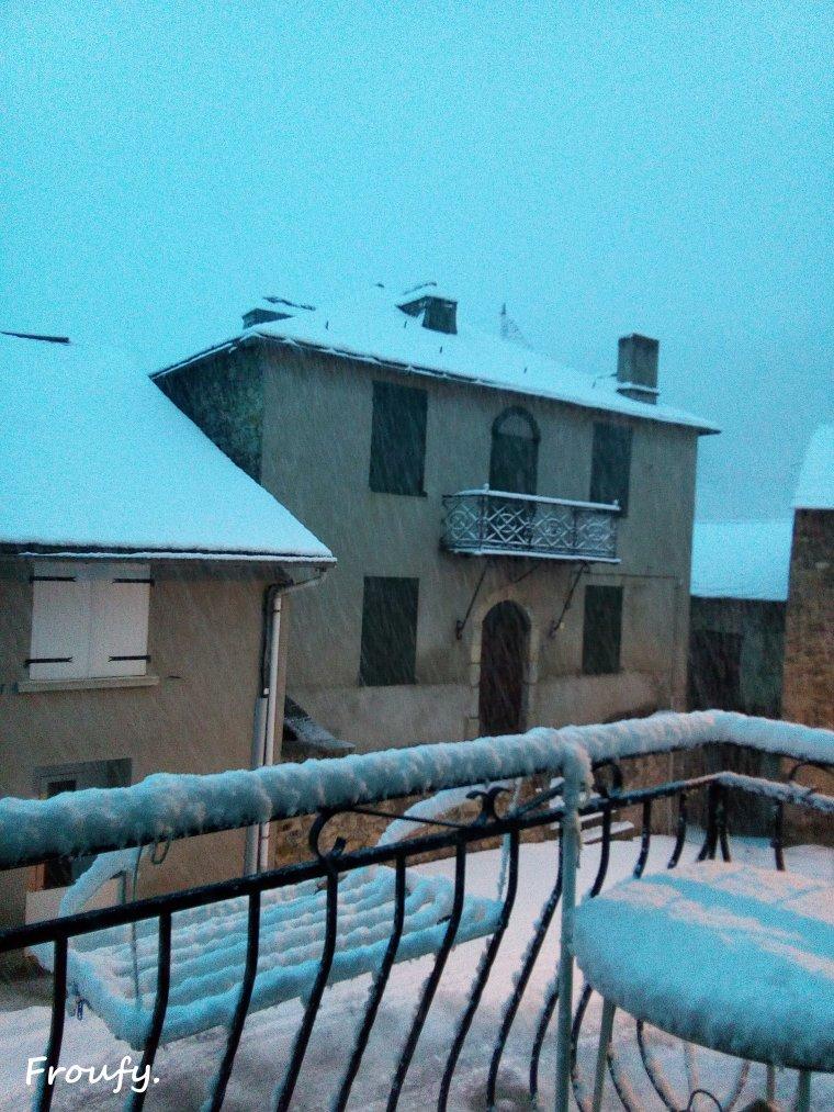 La neige retombe !!!!