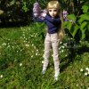 Louise profite du jardin ... pendant qu'on bosse !!!
