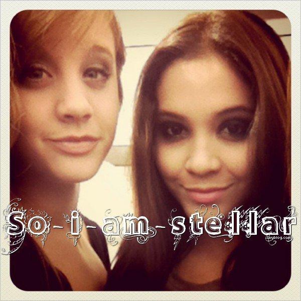 .  Vanessa parle de Stella .