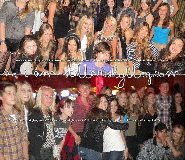 . 1 Septembre 2011: Sammi & Stella avec leurs (grande) bande d'amis .