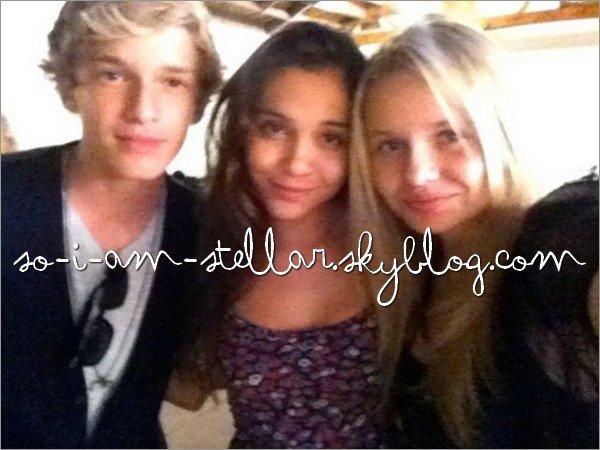 . 10 Juillet 2011: Stella en compagnie de Cody et Alli Simpson (Plus de photo ici)    .