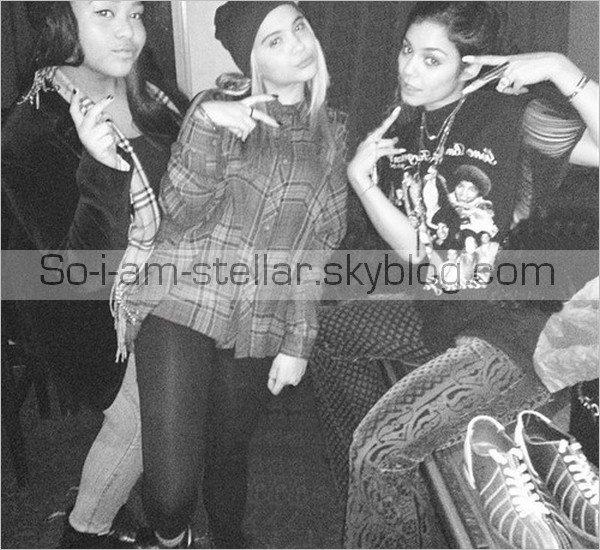 . 8.11.12 : Stella s'est rendu a NY ou elle a fêter le 16ème anniversaire de sa copine Telana (présence de Vanessa & Austin)  .
