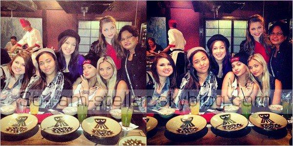 . C'est dans un restaurant que Stella a fêter son anniversaire avec sa famille et ses amies [V.] .