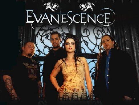 """______G-r-o-u-p-e-:______Evanescence est un groupe de Rock Alternatif américain. - Il est actuellement composé de 4 membres (Amy Lee, Terry Balsamo, Will Hunt et Tim McCord) et a été formé a Little Rock dans l'Arkansas (U.S.A). Ils sont actifs depuis 1995 jusqu'à aujurd'hui, mais ont réellement commencé à enregistrer des albums et E.P en 1998. Depuis ils ont réalisé 3 E.P, 3 albums et 1 DVD live et ont beaucoup changé de membres. Amy Lee, a eut une relation avec Shaun Morgan, le chanteur de Seether, d'où la collaboration pour """"Broken"""" puis après pour une rupture douloureuse, elle a enregistré """"Call Me When You're Sober"""". J'aime énormément ce groupe avec lequel j'ai aussi été élevé, vu que mon père en est très fan, et je me rapellerai toujours d'un jours quand j'étais petite (en 2003), quand le clip de """"Bring Me To Life"""" passait à la télévision et que moi j'étais scotchée devant hahaha."""