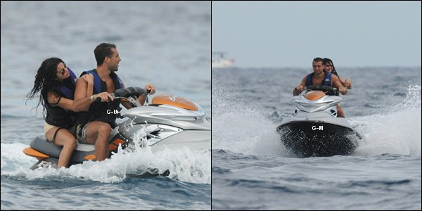 22/07/14 - Selena sur un yacht à Saint Tropez en France.