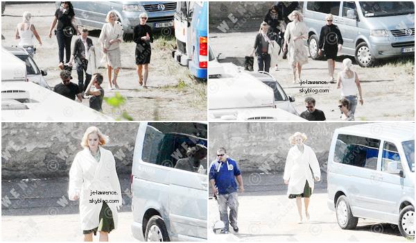24 MAI Jennifer Lawrence prenait du bon temps à Londres avec son petit-ami, Nicolas Hoult.