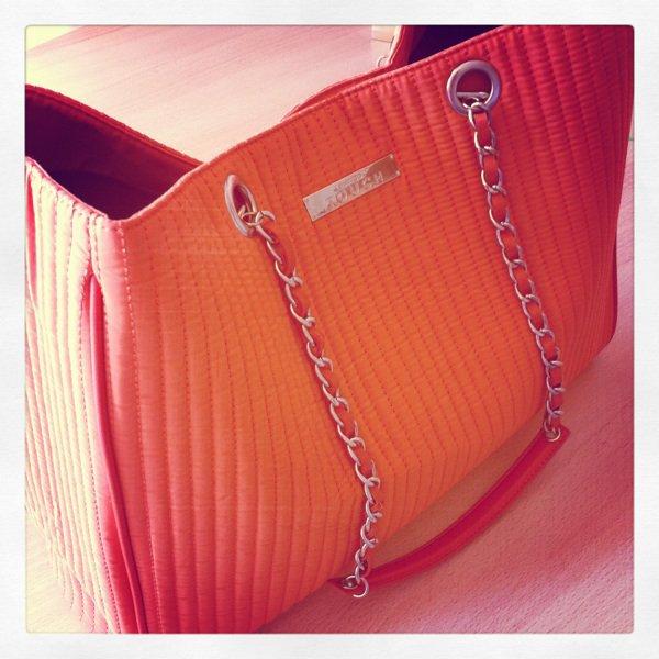 _Love Handbag