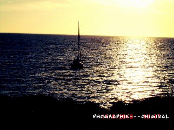 Bateau, coucher de soleil. :) ( bretagne, aout 2013 )