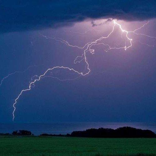 superchasseus-d-orages-3  fête aujourd'hui ses 43 ans, pense à lui offrir un cadeau.Hier à 07:42