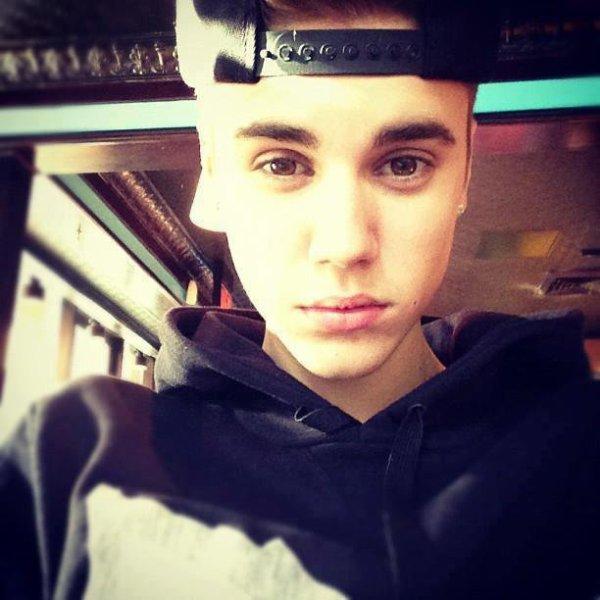 Le-Bieber  fête ses 21 ans demain, pense à lui offrir un cadeau.Aujourd'hui à 20:10