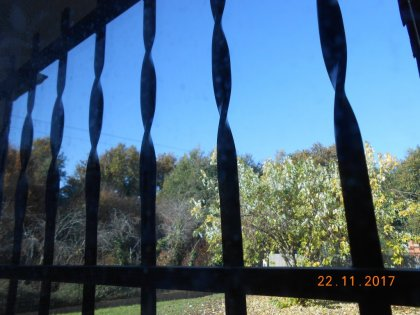 01994 - «Les cieux brillent» diffère de «L'essieu vrille»
