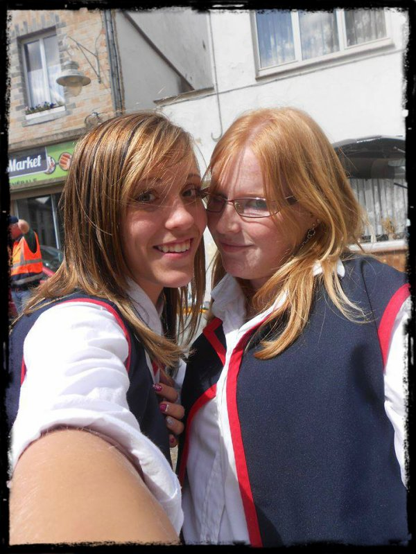 << Stéphanie et Marine♥♥ >>