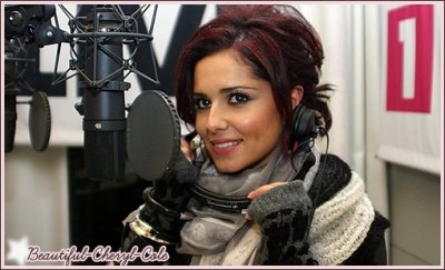 Biographie    ..      Girls Aloud   ..       Newsletter     ..     Fight for this love    ..       Parachute  ..     3 Words  ..       Heartbreaker     ..      21 OCTOBRE 2010:  CHERYL AT RADIO 2 AND XFM STUDIOS