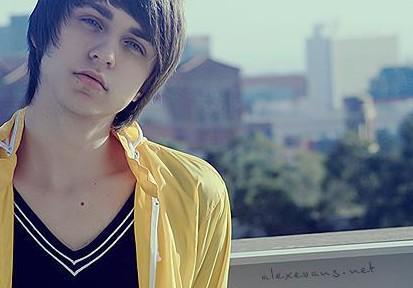 Alex Evans x33
