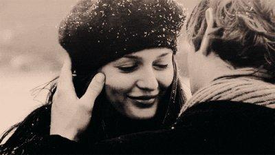 Et je me suis dit qu'il ne faut jamais laisser passer une seconde, une minute d'amour, parce que cette seconde, cette minute, elle ne se représentera plus jamais.