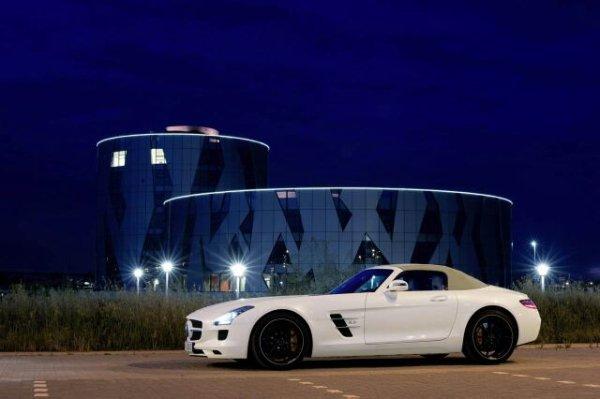 La Mercedes-Benz SLS AMG Roadster en mouvement!