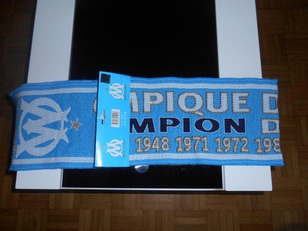 """A vendre Écharpe Olympique de Marseille """"Champion"""" Neuve avec étiquette"""