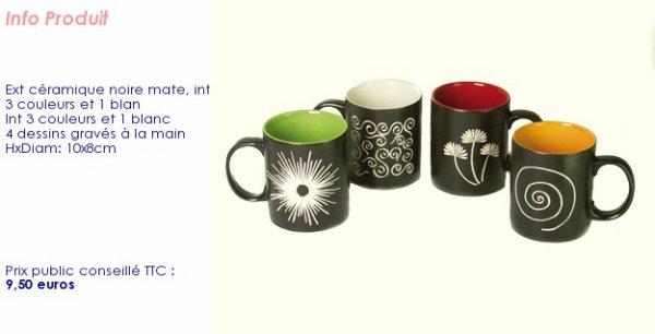 ensemble de mugs noir a l'extèrieur, couleur à l'intèrieur.