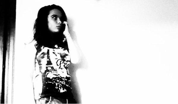 _Eℓℓє м'єst iηdispєηsαbℓє, j'αi bєsoiη d'єℓℓє pour vivrє ♥~