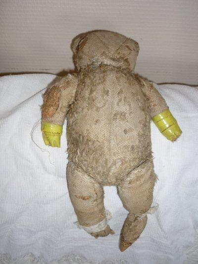 Ma dernière trouvaille,un ours dans un triste état,un véritable cou de coeur,me le voila arrivé chez moi très bien enveloppée.