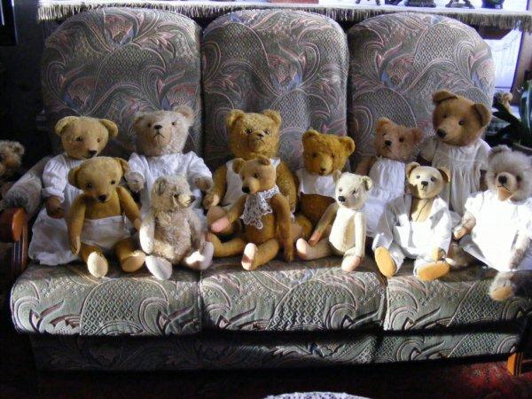 Bonsoir à vous tous! mes ours sont prêt pour le réveillons+++++