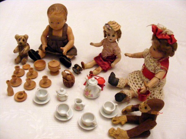 Mes petites vous montre mon cadeau ,la ravissante petite vaisselle d'une Amies+++++