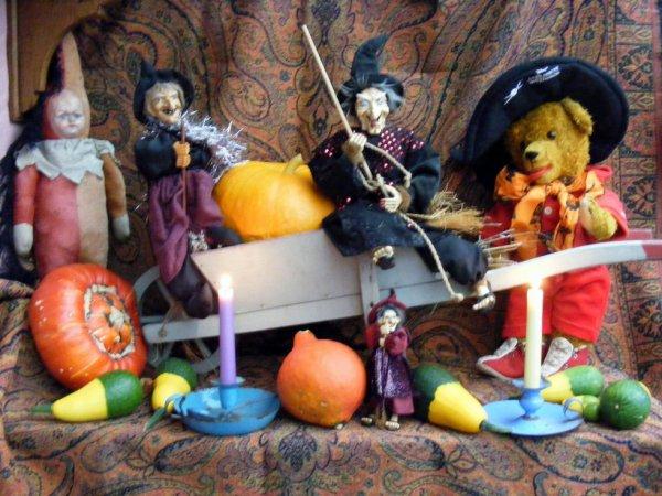 belle journée  de Halloween à vous tous++++