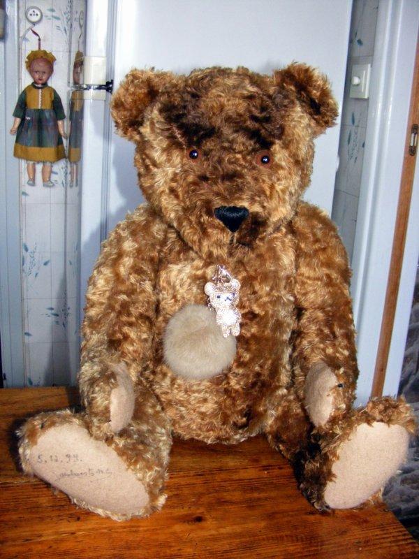 Mon ours Jambert vous souhaites une belle journée à vous tous+++++