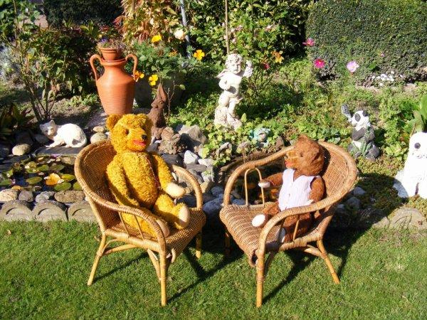 Nous profitons du beau soleil gros bisous de nous deux Karlo et Arcène++++