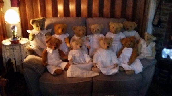 Mes ours vous souhaites une belle journée à vous tous++++