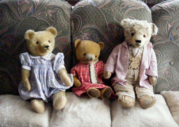 Mon trio d'ours vous souhaites un agréable journée à vous tous+++
