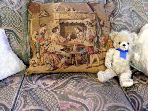 Mon petit ours Fritz vous envoi une belle journée à vous tous+++