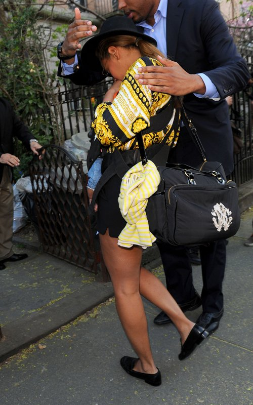 BEYONCE AND BLUE RENDE VISITE A SOLANGE