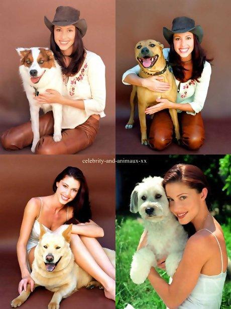Shannon Elizabeth et plusieurs chiens differents