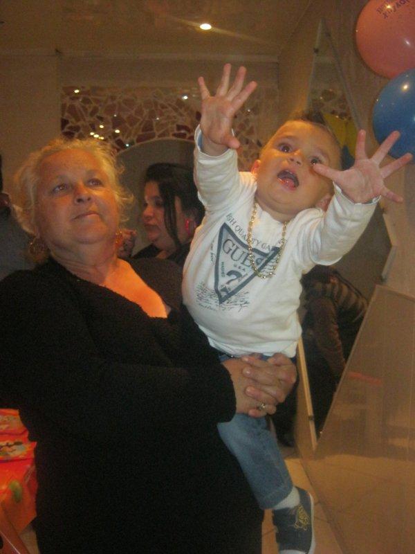 ma grand mere et mon cousin iloukian