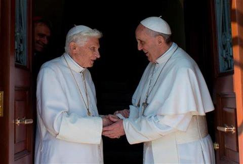 Deux Papes au Vatican