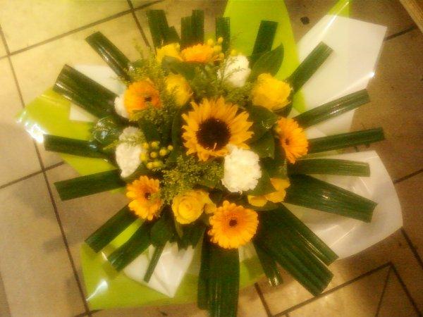 Bouquet rond dans les ton Jaune
