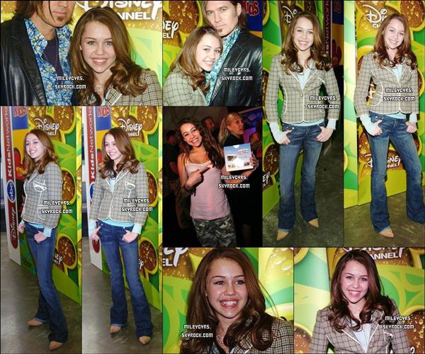 - 09/02/2006 : Miley était présente à la conférence de presse organisée par Disney Channel à New York. Divers célébrités de la chaine était également présent comme Zac Efron, Jonas Brothers, Chelsea Staub, Demi Lovato etc... -