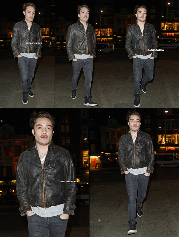 """CANDIDS Ed allant et sortant du """"Bodo's Schloss Bar"""", où il a dîné, à Londres, le 8 Janvier 2013."""