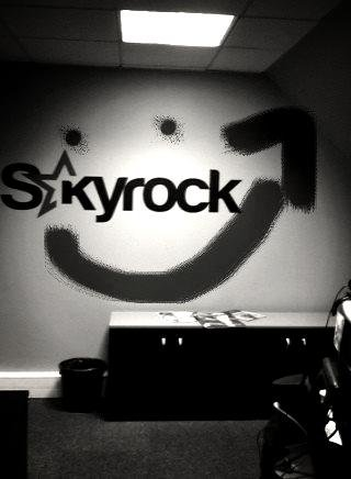 Un sourire en mode graff' Skyrock ( Effets et filtres sur les photos )