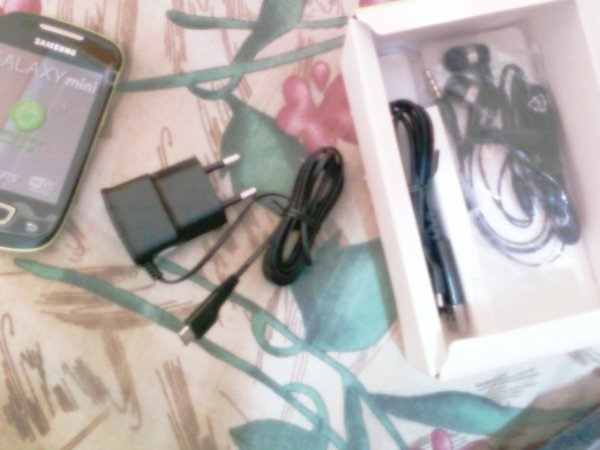 Déballage de mon *petit* Smartphone Samsung Galaxy mini ^^