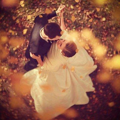 C'est ça qui est merveilleux avec les mariages. On voit deux personnes qui  s'aiment si fort que l'espace d'une cérémonie, on a tous à nouveau foi en l'avenir.